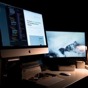 Desktops/ Laptops